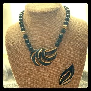 3/$15 Vintage 80's Necklace and Brooch Set